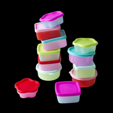 12 SMALL PLASTIC FOOD KEEPERS
